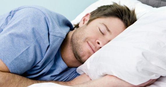 спящий человек фото