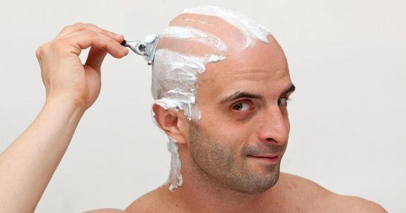 Во сне брить волосы на голове