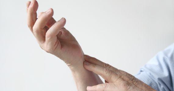 К чему снится руки связанные