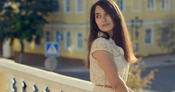 К чему снится девушка знакомая незнакомая красивая и не очень сонник