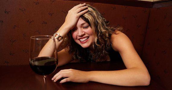 видеть во сне знакомого в алкогольном опьянении