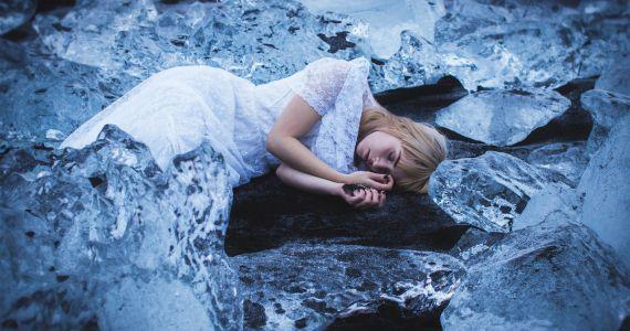 если снится траур знакомой