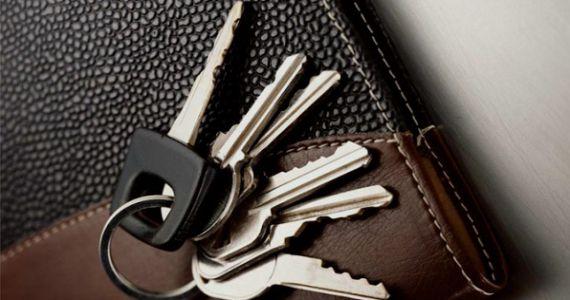 Житель Заполярного подобрал ключ к замку и ограбил квартиру