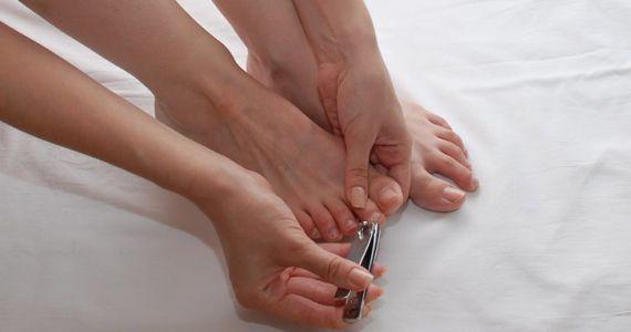 Накладные ногти во сне говорят о том, что вы склонны к вранью и ваши знакомые вас за это недолюбливают.