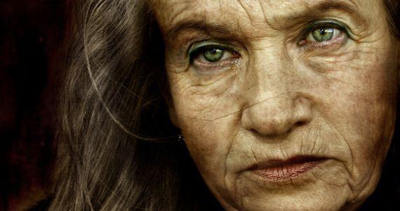 Девушка пожилая женщина интим